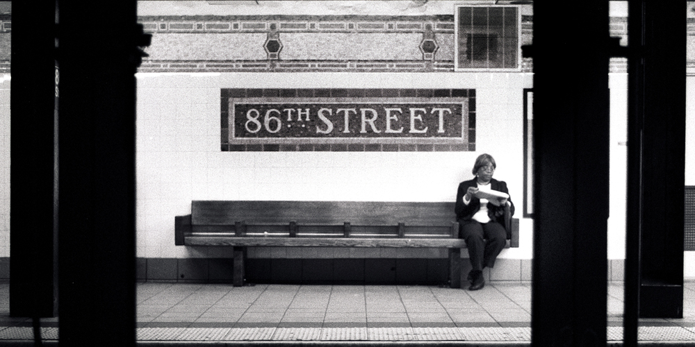 Lady at 86th street, New York · Fotograf: Torsten Stoll · neoton photography