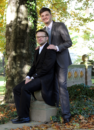 Hochzeitspaar im Park der Villa Weigang in Dresden