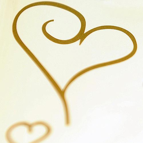 goldene Herzkaligrafie